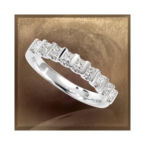Demi-alliance 9 diamants modèle 6