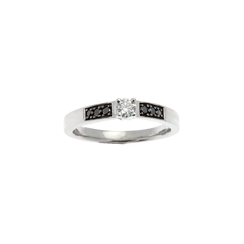Bague Diamants Blancs et Noirs