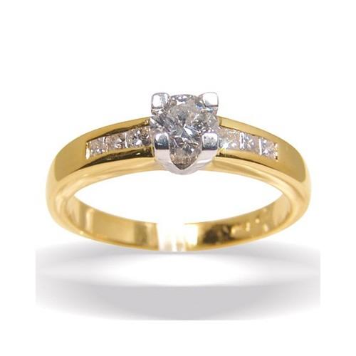 Solitaire et diamants cotés n°1